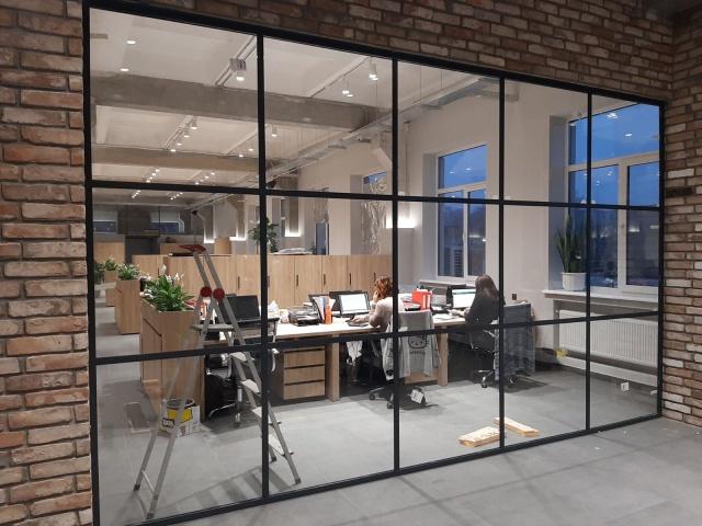 Офисная перегородка в стиле loft